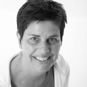 Karin Bakker